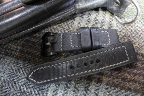 Greenpilot-watchstraps-Leder-true-ancient-vintage-line-charcoal-Lehrertasche