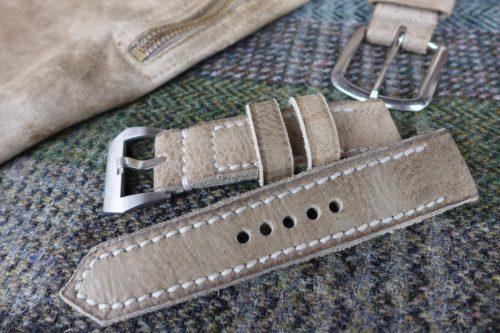 Greenpilot-watchstraps-Leder-true-ancient-vintage-line-ivory-Hirsch-Rauleder-Trachtenhose